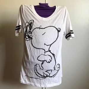 Tops - CUTE SNOOPY GRAPHIC T-SHIRT❤️❤️